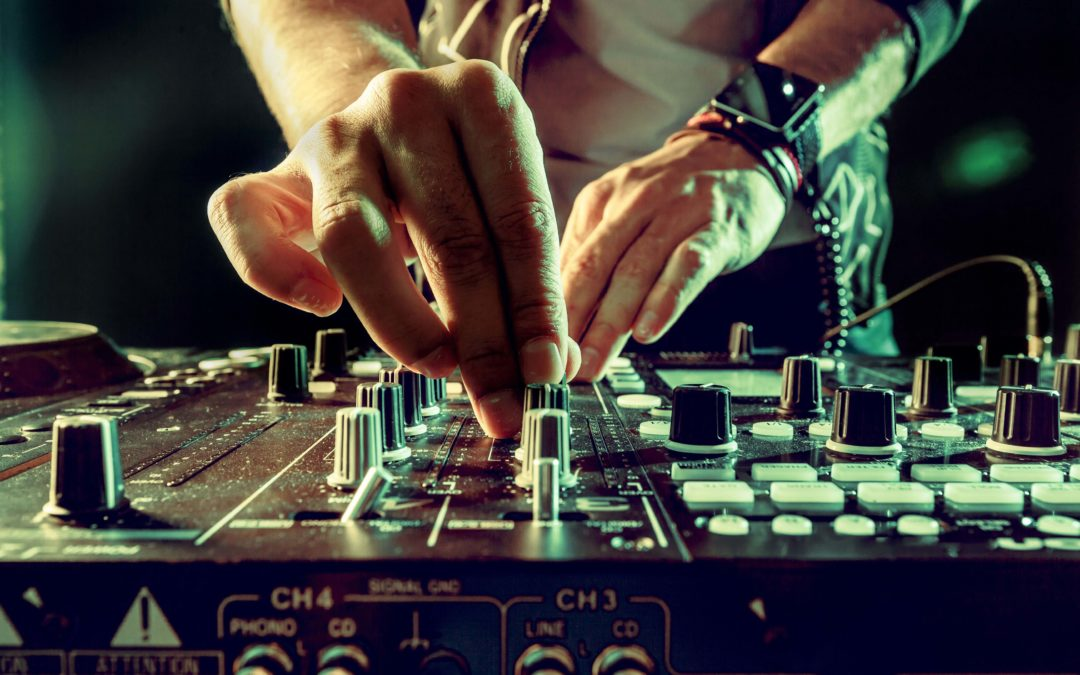 FIVE REASONS TO HIRE IMPRESSION DJS FOR YOUR NEXT PARTY