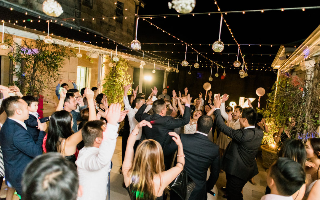 THE TOP 10 DANCEFLOOR SONGS TO GET THE PARTY STARTED